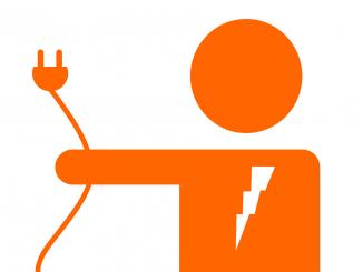 Un électricien